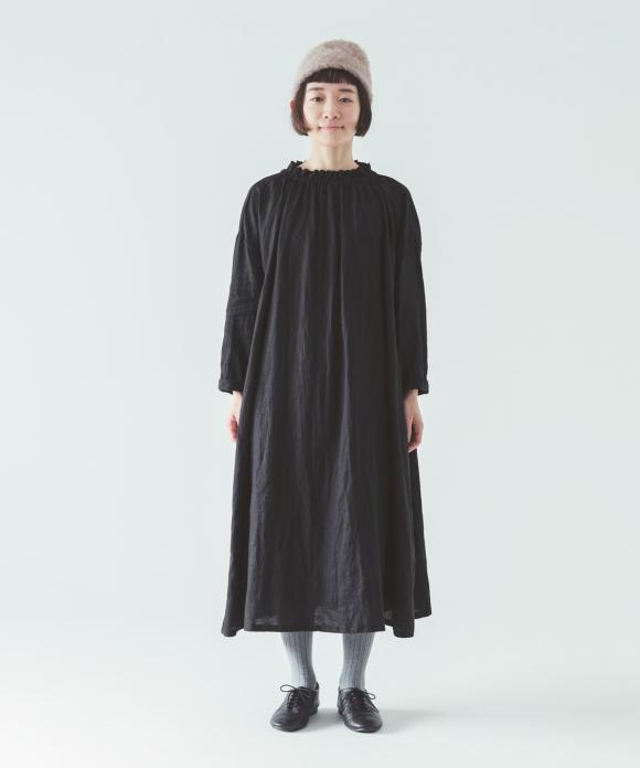 リネンシャーリングネックワンピース ブラック limited item //