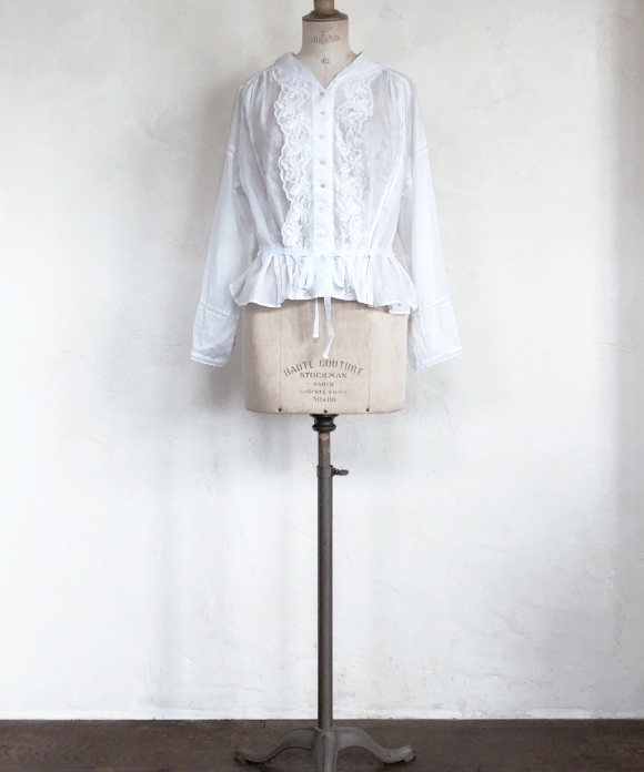 "【""Artisan"" Collection】LACE TRIM SAILOR COLLAR BLOUSE"