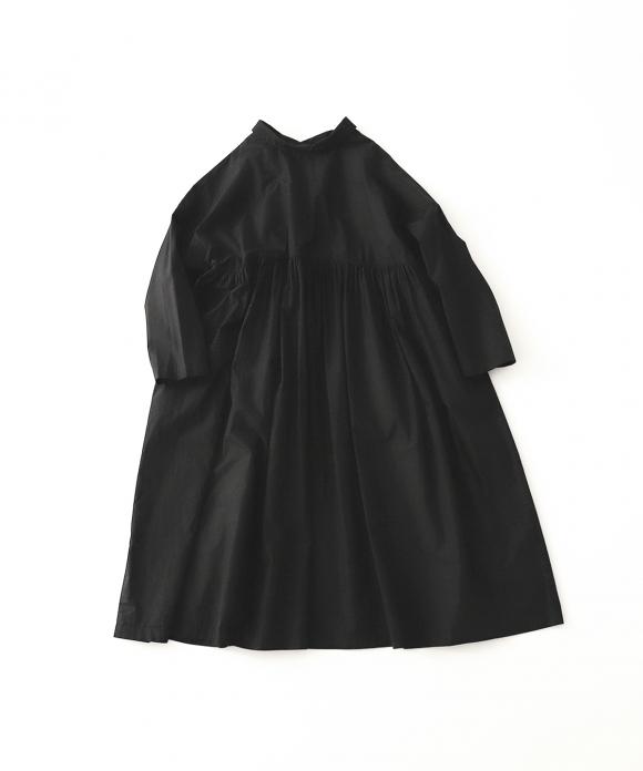 モアギャザードレス
