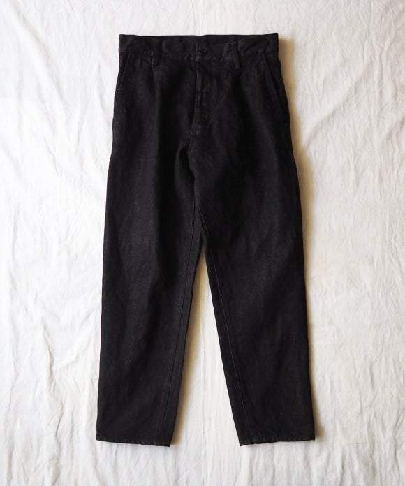 Sulfur Dyed Black Denim Tuck Tapered Trousers