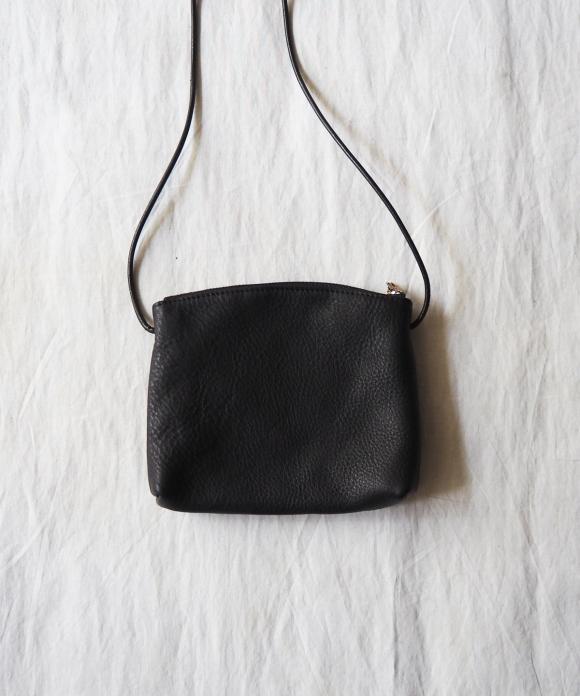 バレンシアレザースモールショルダーバッグ
