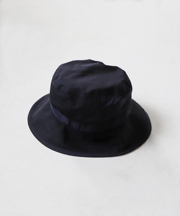 COMESANDGOES / LIGHT NYLON BUCKET HAT